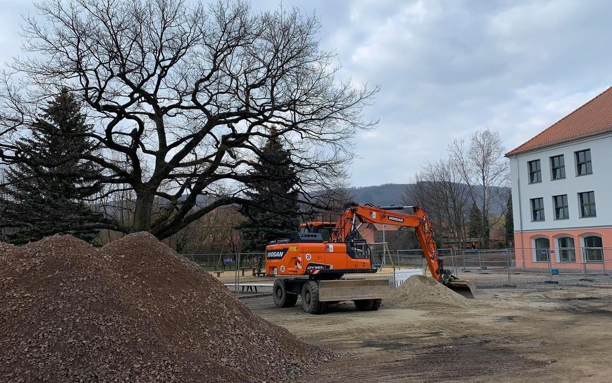 Beginn Bauarbeiten Schulhof
