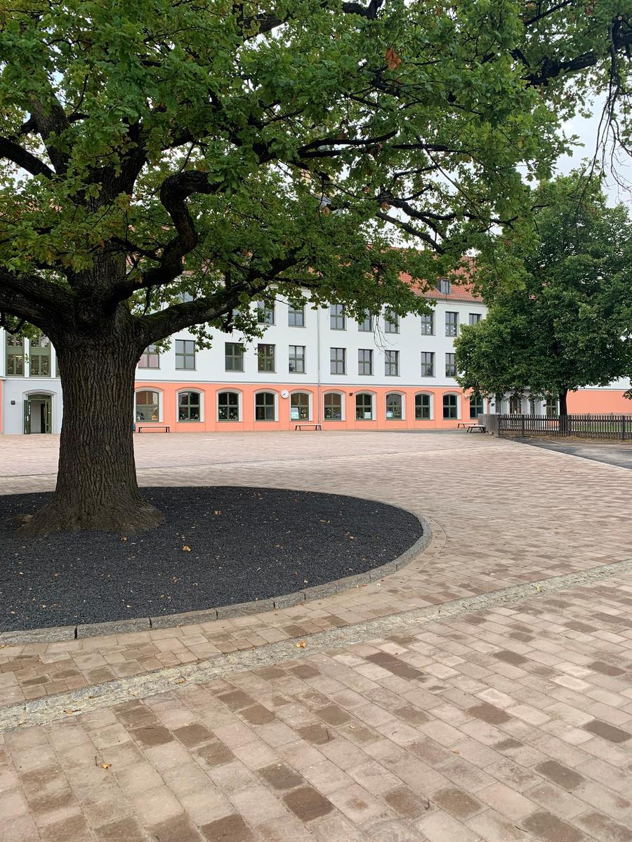 Schulhof Prinzess Ilse Grundschule